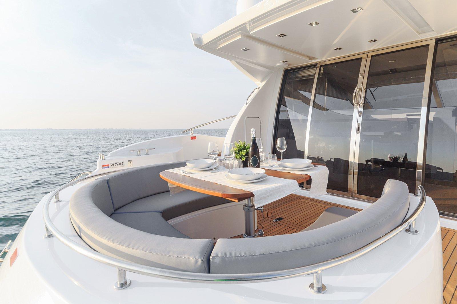 обзавеждане за яхта