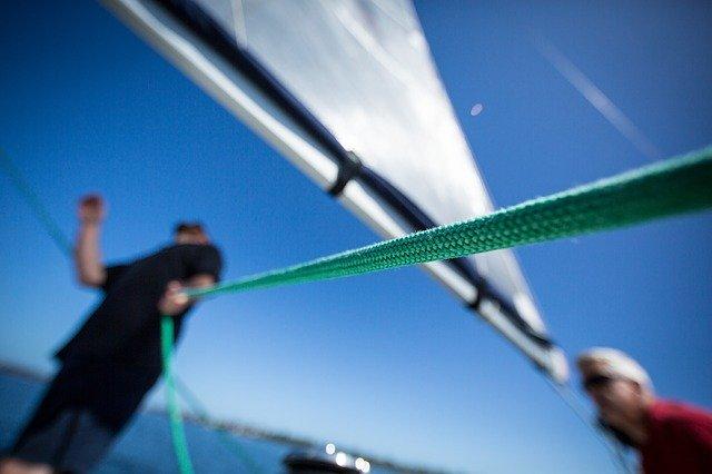 ветроходна яхта въжета