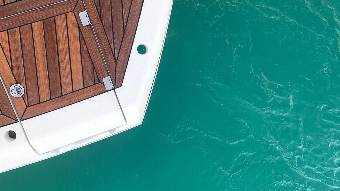 декинг на яхта